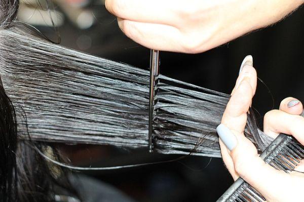 Cara Melebatkan Rambut Secara Alami Dalam 1 Minggu Yang Aman Tanpa Efek Samping Bagi Kesehatan